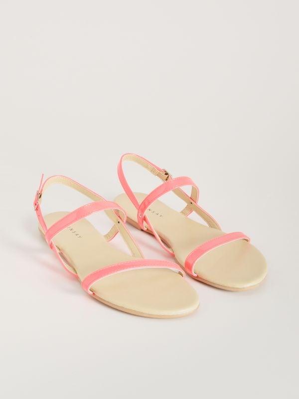 228a870e88e7 Remienkové sandále s rovnou podrážkou · Remienkové sandále s rovnou  podrážkou - ružová - VX363-42X - SINSAY